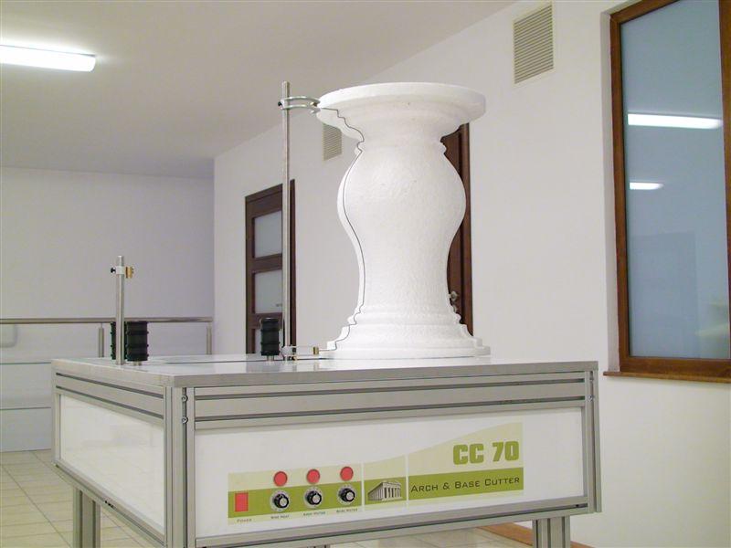 Hot wire CNC foam cutting machines - The Base & Arch cutter